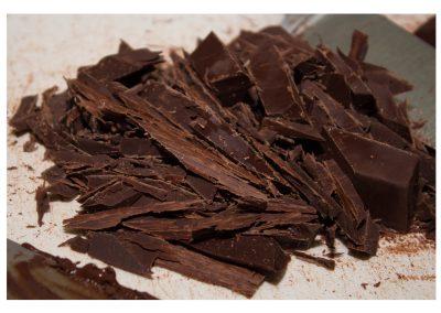 Chocolate oscuro en producción